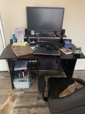 Computer desk & chair for Sale in Battle Ground, WA