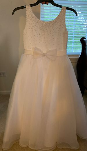Flower girl dress size 8 for Sale in Carol Stream, IL