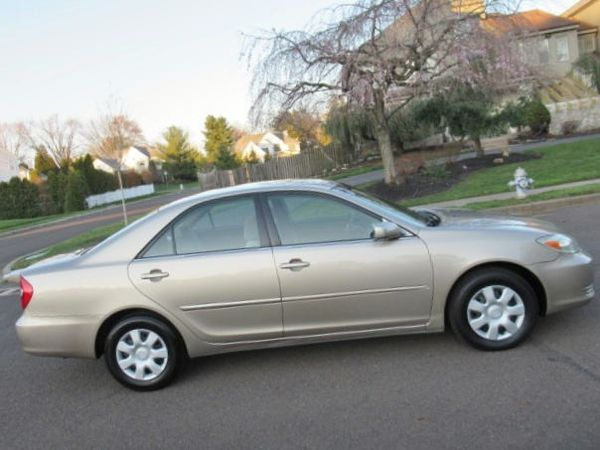 Best opportunity Perfect condition car low mile 2004 Toyota Camry LE/XLE