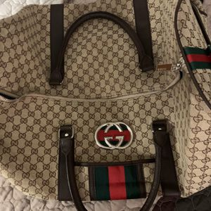 Authentic Gucci Duffle Bag for Sale in Glendale, AZ