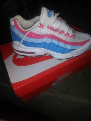 Latest drop! Like new Air Max 95, size 6y for Sale in Charlotte, NC