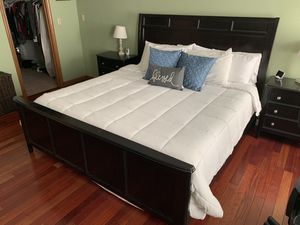 4 piece king bedroom set for Sale in Wolcott, CT