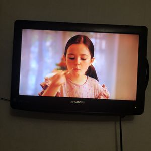 """Tv Sansui 18"""" With Antenna for Sale in East Windsor, CT"""