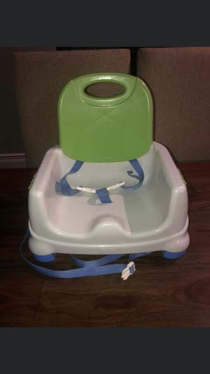 BOOSTER SEAT WITH TRAY AND TRAY COVER for Sale in Staten Island, NY