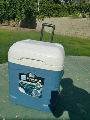 Maxi cooler for Sale in Anaheim, CA