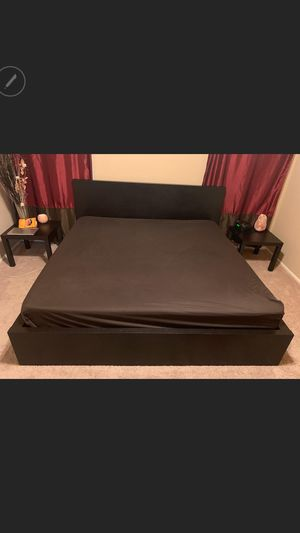 King size bed set for Sale in Phoenix, AZ