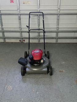 Lawn Mower (Barley Used) for Sale in Poinciana,  FL