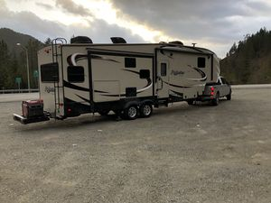 2018 Grand Design Reflection 327 RST Fifth Wheel with new Honda EU7000IS. 5500 W, 7000W peak/45.8 amp for Sale in Missoula, MT