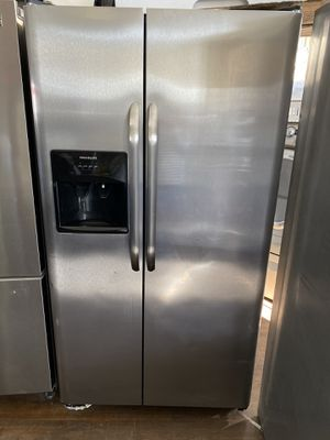 FRIGIDAIRE SIDE BY SIDE REFRIGERATOR STAINLESS STEEL for Sale in Orange, CA