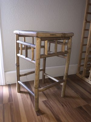 Small table for plant - $20 for Sale in Sacramento, CA