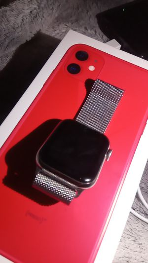 Apple watch 4 series gps 40mm silver for Sale in Tampa, FL