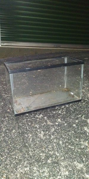 13 gallon fish tank for Sale in Haines City, FL
