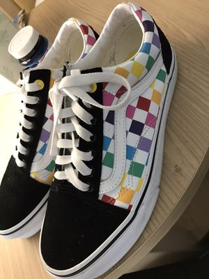 Vans Rainbow checkered with box size 7 for Sale in Cincinnati, OH