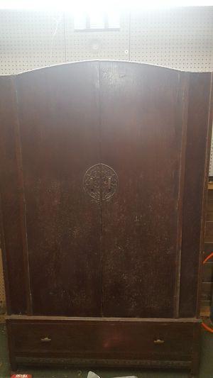 Antique men's wardrobe chest for Sale in Easley, SC