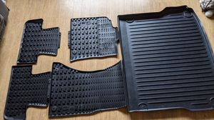 Audi Q5 all-weather mats + accessories for Sale in Lisle, IL