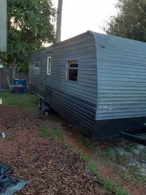 handyman special no leaks nuflor needs work Wayne side a little camper somebody for a handyman make an extra bedroom hunting cabin for Sale in Royal Palm Beach, FL