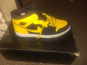 Jordan BLK and yellow 1's from the first time he release them shoes for Sale in Moreno Valley, CA