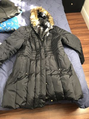 Anne Klein Woman Puffer Jacket for Sale in Miami, FL
