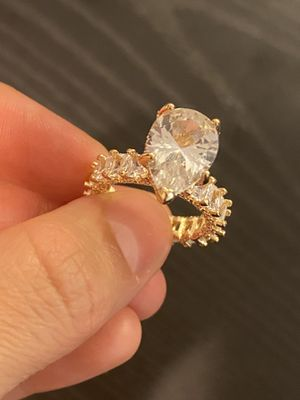 Luxurious 14K Gold plated Gorgeous Tear Dropped Shape Engagement Ring— Code 4LMA for Sale in Houston, TX