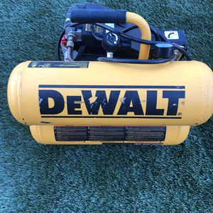 DEWALT 4 Gal. 1.1 HP Continuous Electric Hand Carry Air Compressor for Sale in Garden Grove, CA