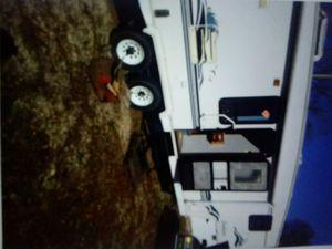 Sandpaper 5th wheel for Sale in Mason City, IA