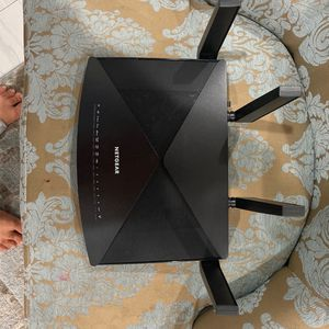 Like New Nighthawk X10 Ad7200 Smart WiFi Router for Sale in Los Angeles, CA