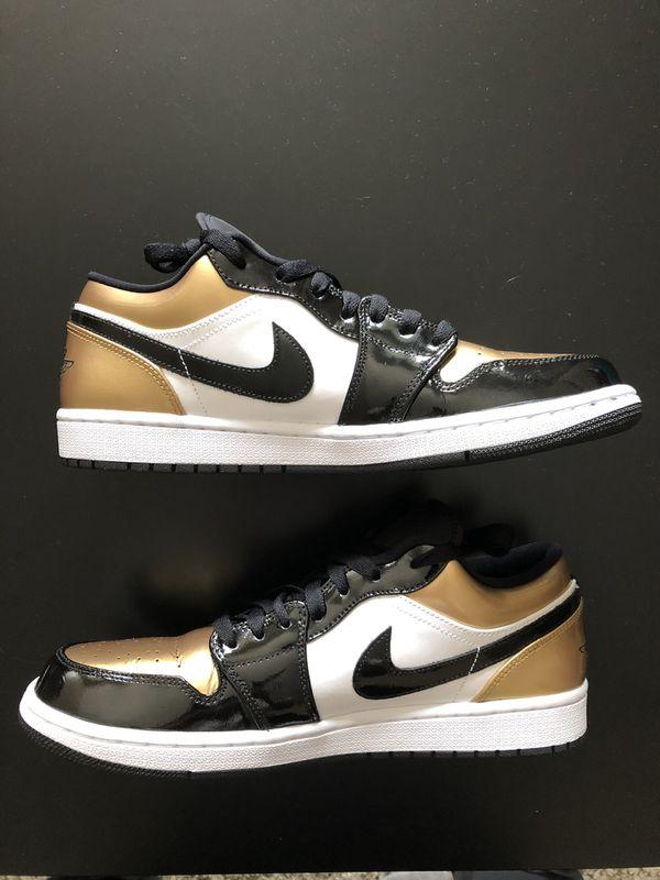 Jordan 1 Low gold toe size 10.5