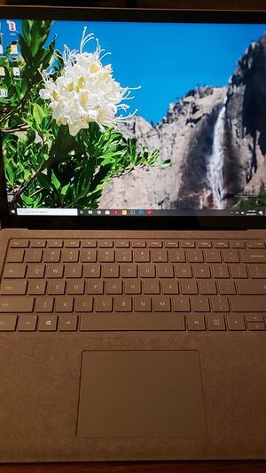 Microsoft Surface Labtop 1st gen 8GB for Sale in Riverside, CA