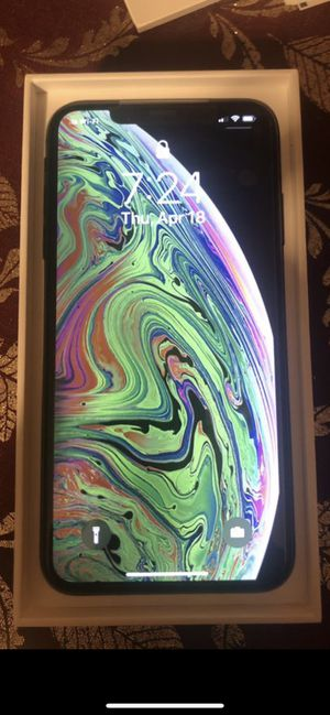 iPhone XS Max 64 gig unlocked any carrier for Sale in Houston, TX