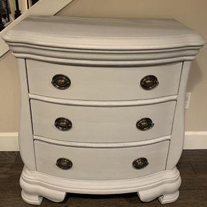 3 Drawer Dresser for Sale in Bonney Lake, WA