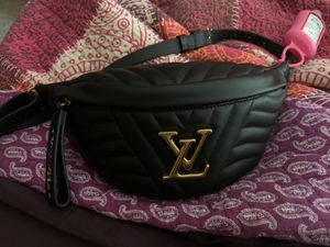 Louis Vuitton New Wave Bumbag for Sale in Atlanta, GA