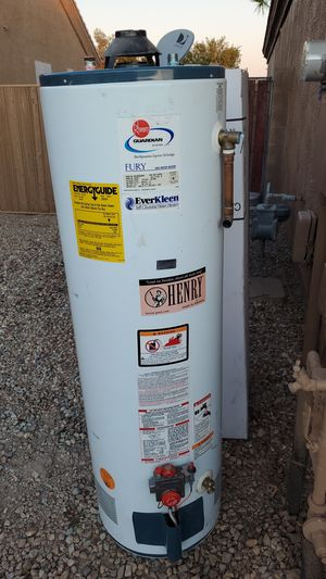 40 gallon gas water heater. for Sale in Peoria, AZ
