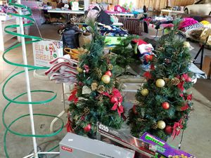 2 4ft tall pre lit and decorated trees with big box of ornaments for Sale in Minot, ND