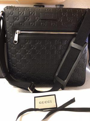 Gucci messenger Bag Men's for Sale in Phoenix, AZ