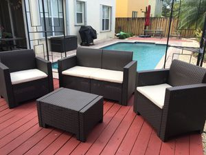 All resin without metals / Furniture / Patio furniture / outdoor furniture / Muebles de patio /patio set for Sale in Cutler Bay, FL