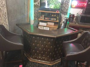 Leather Bar counter with two NEW matching stools for Sale in Fresno, CA