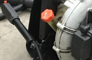 Echo PB-413H - Leaf Blower Gas Back Pack - Not Working - Just Needs Someone Who Knows How To Work Properly. for Sale in Las Vegas,  NV