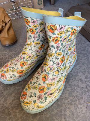 Woman's size 6/7 short rain boots. for Sale in Phoenix, AZ