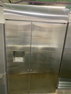 Built in side by side refrigerator 48 inches for Sale in Miami, FL