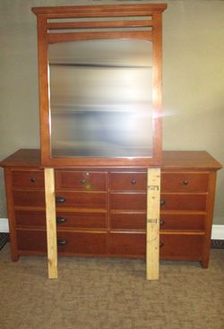 Solid Wood 6-Drawer Dresser with Mirror - Delivered for Sale in Tacoma,  WA