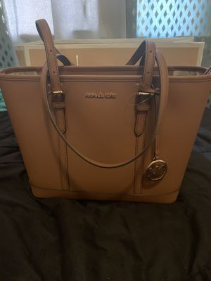 Michael Kors Tote Bag for Sale in Fresno, CA