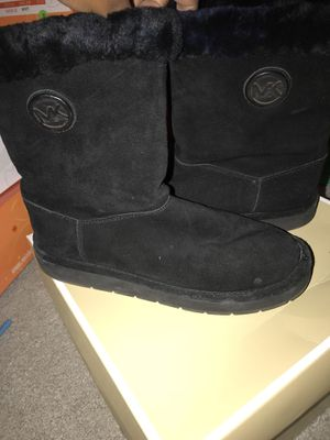 Women Michael Kors Boots Size 8 for Sale in Cleveland, OH
