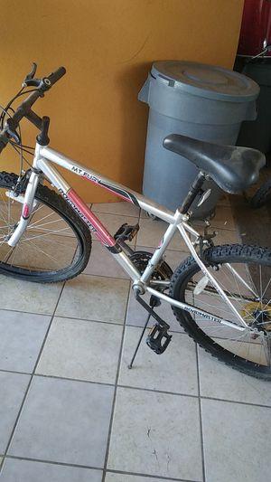 Mountain bike for boy for Sale in Bakersfield, CA