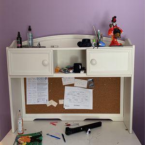White Wooden Desk for Sale in Lawrenceville, GA