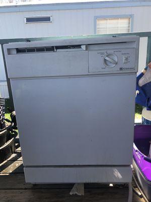 GE Americana Dishwasher for Sale in Murray, UT