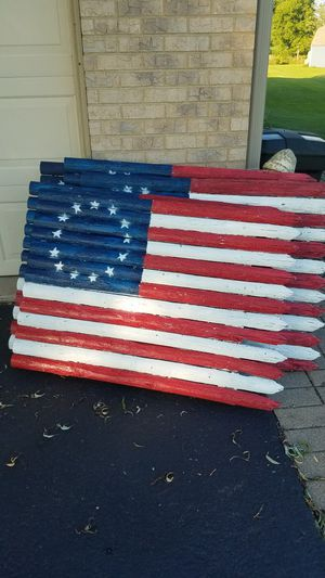 """rustic outdoor flags made out of old fencing. 44"""" wide 30"""" tall. for Sale in Huntley, IL"""