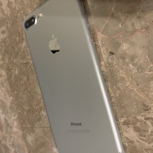 iPhone 7 Plus 128GB Factory Unlocked for Sale in Fort Lauderdale, FL
