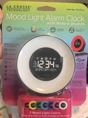 MOOD LIGHT ALARM CLOCK for Sale in Doral, FL