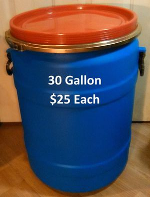 30 Gallon Plastic barrels with handles and removable/lock-tight lids for Sale in Oakfield, WI