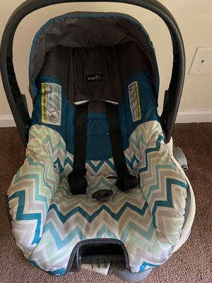 Baby car seat for Sale in Atlanta, GA